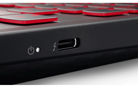 Thunderbolt™ 3는 최고의 USB-C를 제공합니다.