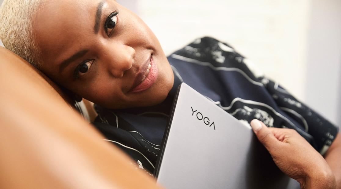 View of Yoga brand on Lenovo Yoga Slim 7 (15)