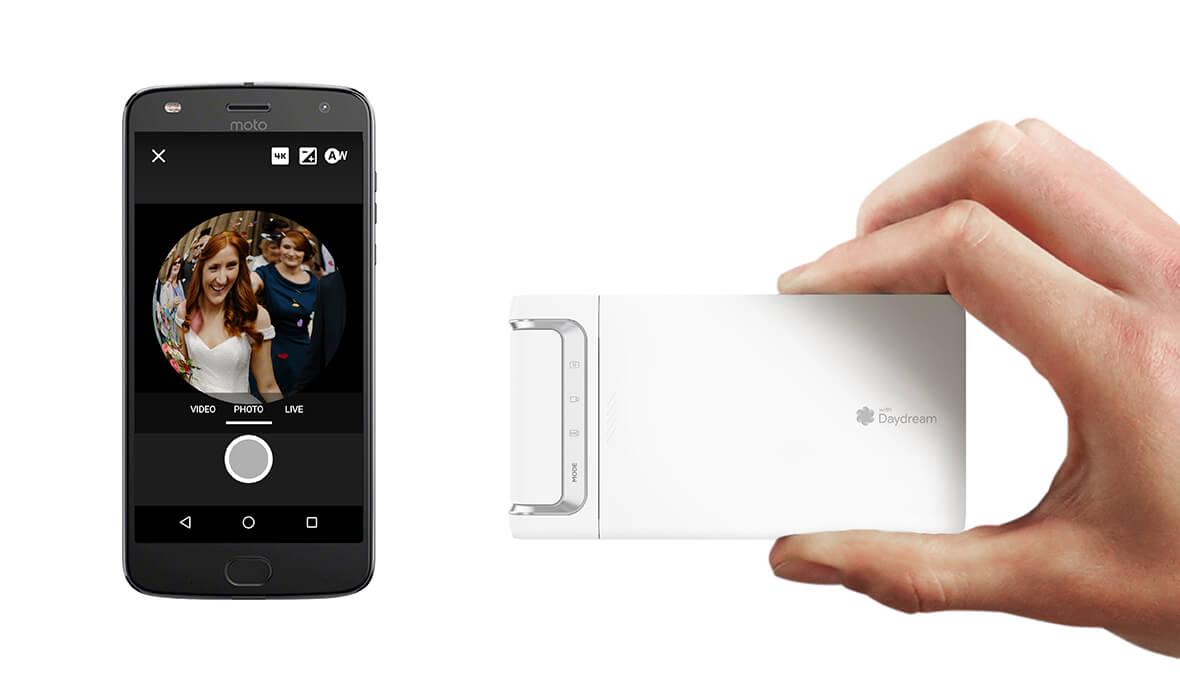 Lenovo Mirage Camera with smartphone