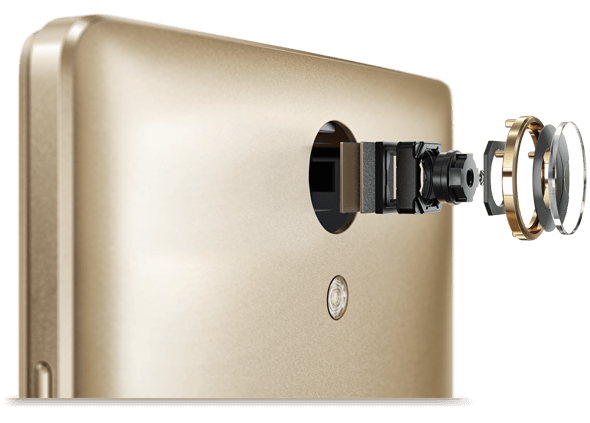 Detailed image of camera, close up, on Lenovo Phab 2 smartphone
